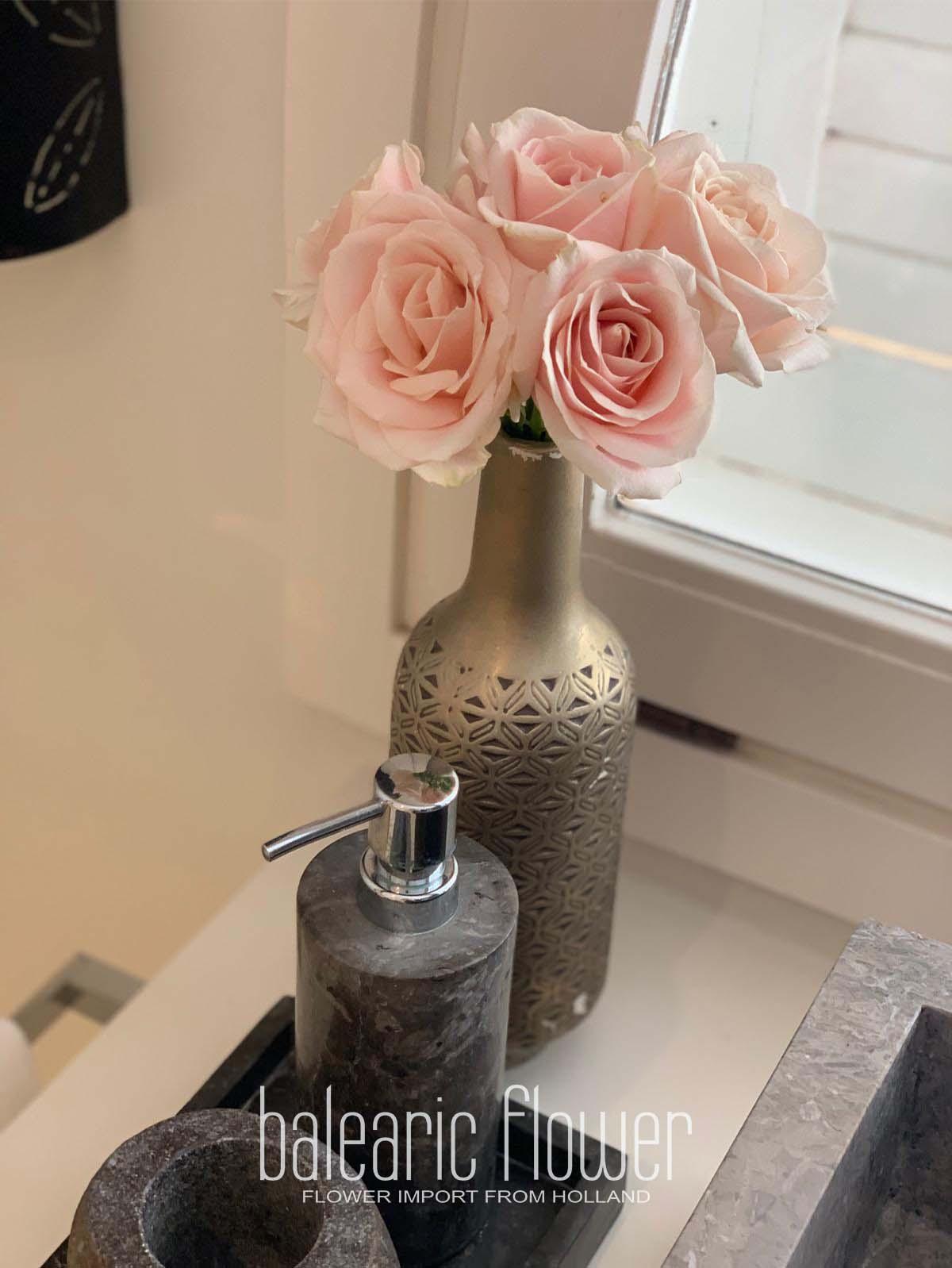 bathroom-flowers-ibiza-villa