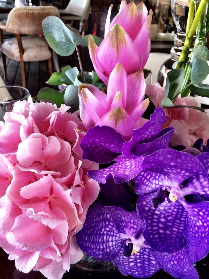 dutch flowers in ibiza beach club