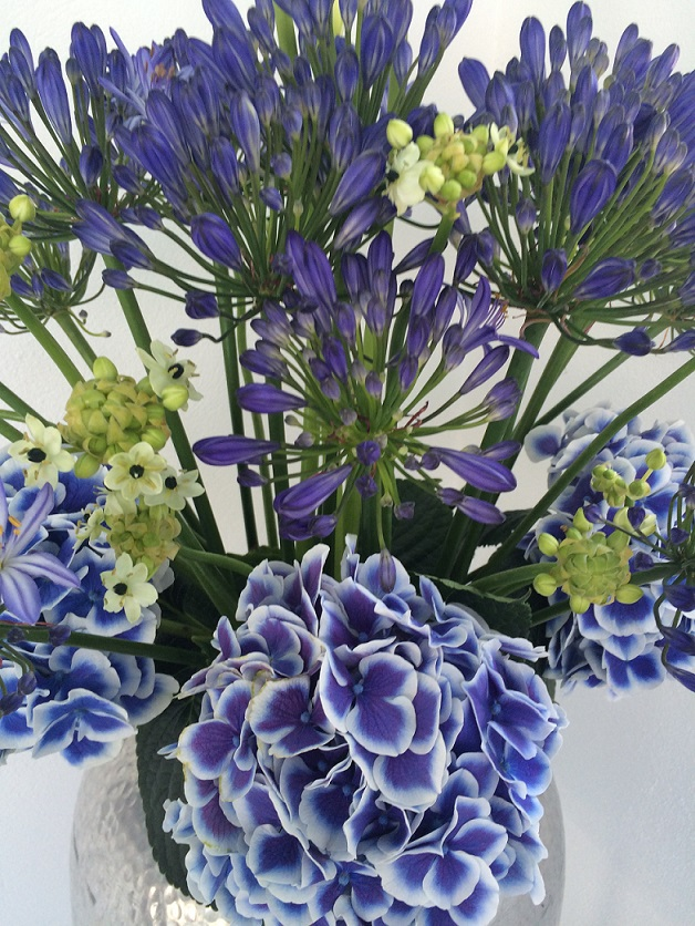 ibiza flower design restaurants and beach clubs