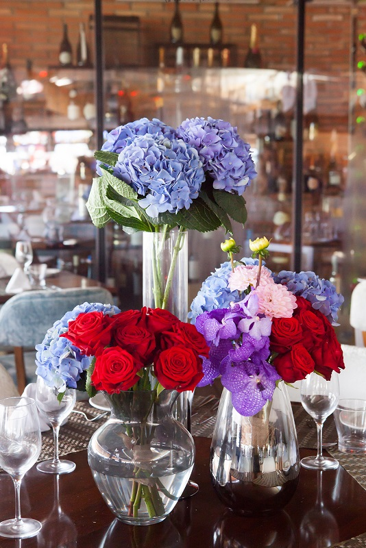 ibiza hotel flowers and fresh bouquets in restaurant