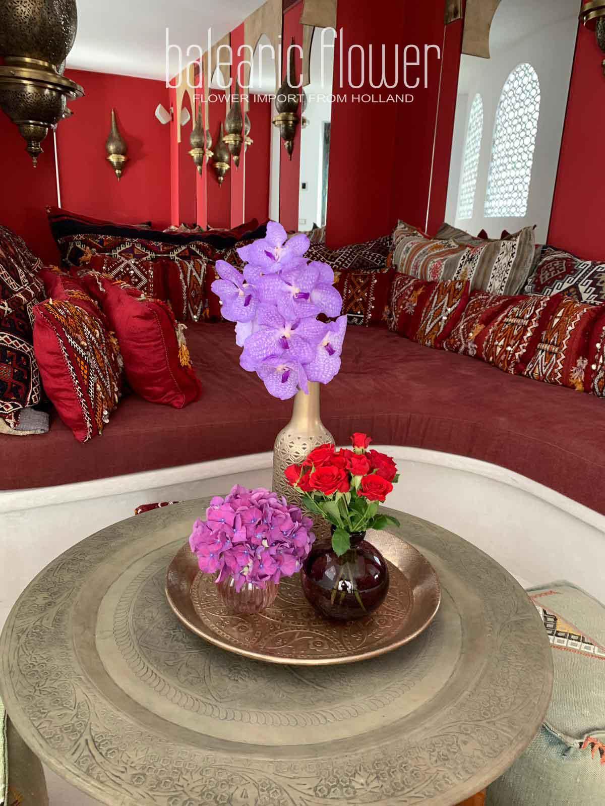 ibiza-villa-red-flower-service