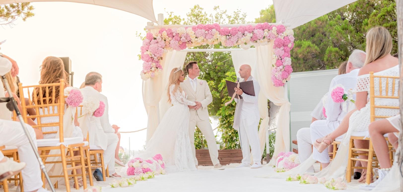 ibiza wedding flowers bouquet design