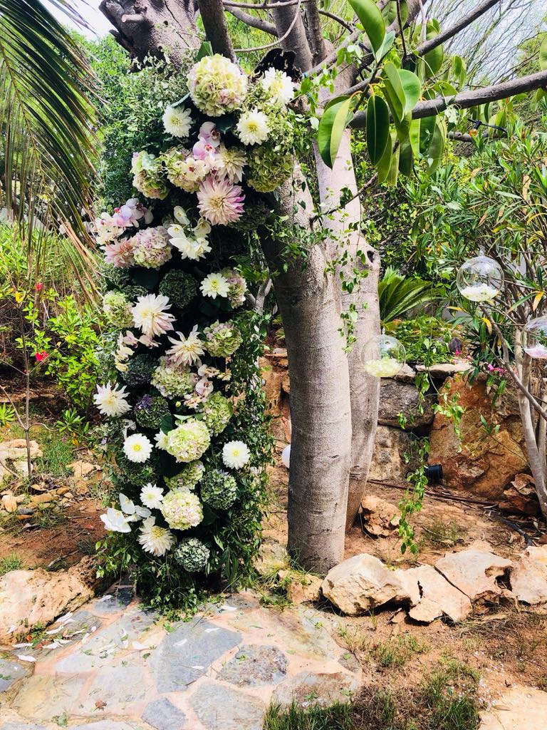 ibiza wedding bouquet standing